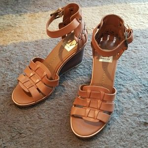 Dolce Vita strap wedge heels 🤗